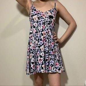 FOREVER 21 CUTE FLORAL DRESS